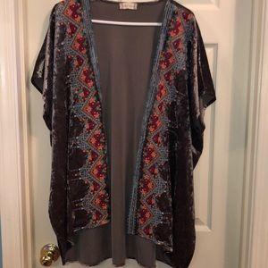 Aztec patterned velvet kimono